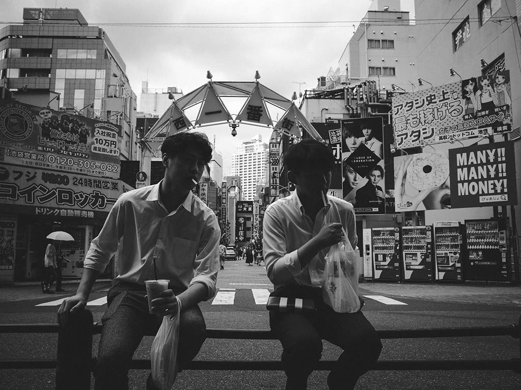 William Sudhana Tokyo Street Photography 2 men smoking