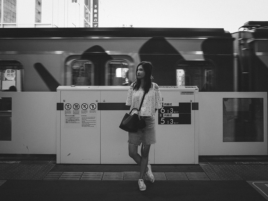 William Sudhana Tokyo Street Photography Amanda Inesita is waiting train on the platform